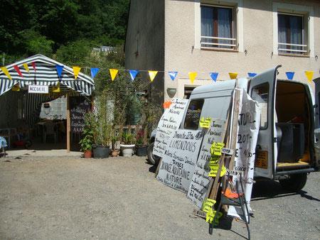 """Préparation de la campagne  d'infomation et de signalisation de notre journée """"Aquitaine Nature 2011""""."""