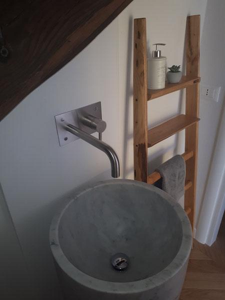 Scala in legno porta asciugamani per arredo bagno