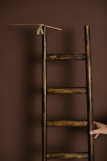 Scala a pioli in legno per arredamento e decorazione di interni di ellecuorea - Wood ladder with sign of ageing by ellecuorea