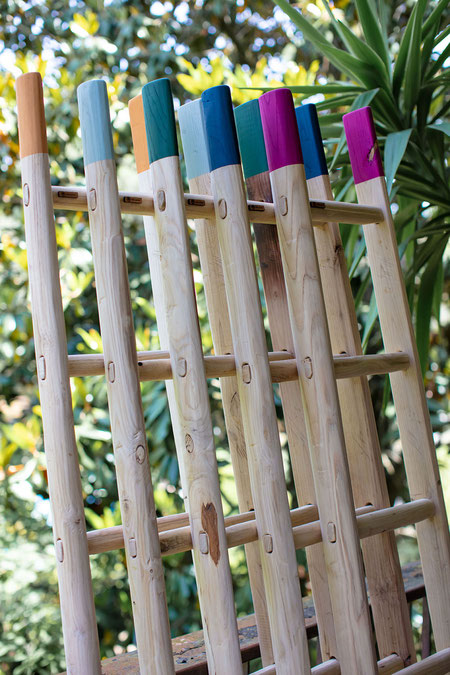 Scale a pioli in legno con punte colorate - Wood ladders in custom colors