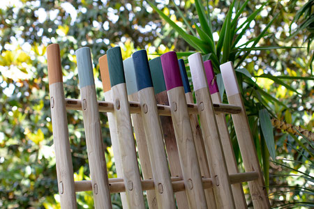 Scale a pioli in legno colorate per arredamento - Wood ladders in custom matte colors