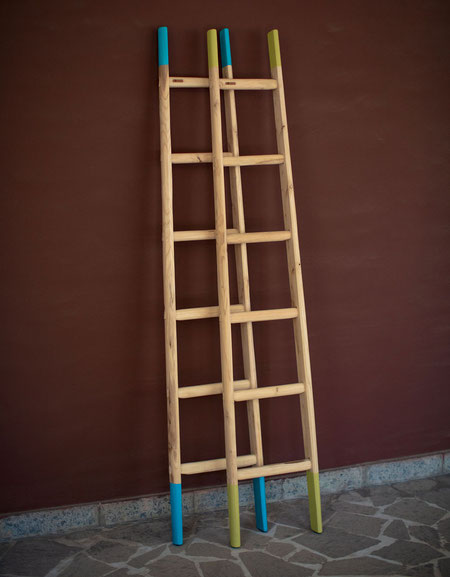Scale a pioli in legno per decorazione interni - Wood ladders in custom colors, green and turquoise