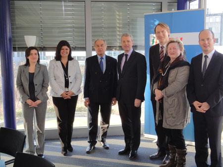 Von links nach rechts: K. Kosub, R. Gazez-Krengel, H. Klein, Dr. N. Röttgen, T. Preis, Dr. C. Friedländer und A. Busshuven