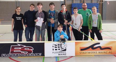 Medaillen sind nur ein Teil dessen, was Kinder und Jugendliche bei Floorball Mainz erkämpfen