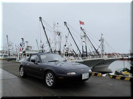 紋別港に到着 漁船と共に AM9:33