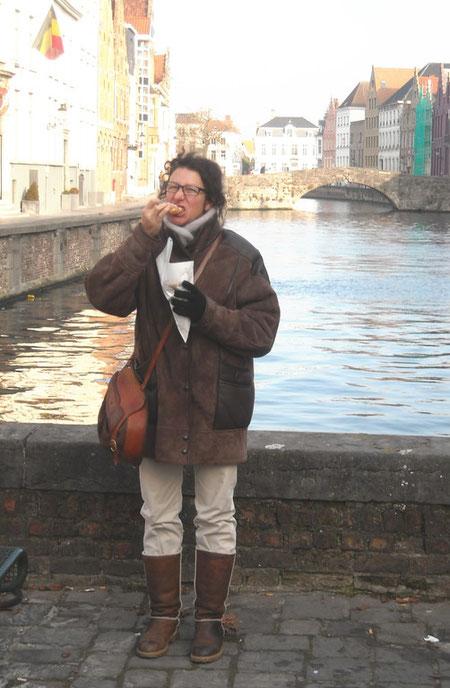 Op het Jan Van Eyckplein: warme smoutebollen