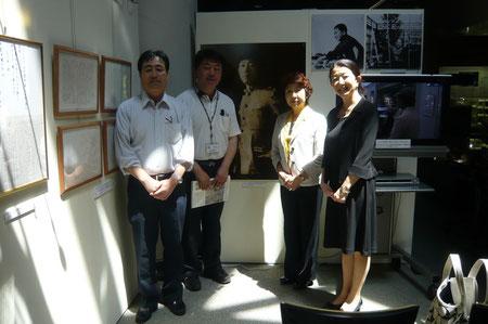 右から斉藤由香さん・お母様・北さん・新部さん・三浦です