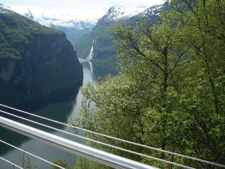Sicht hinunter in den Geirangerfjord