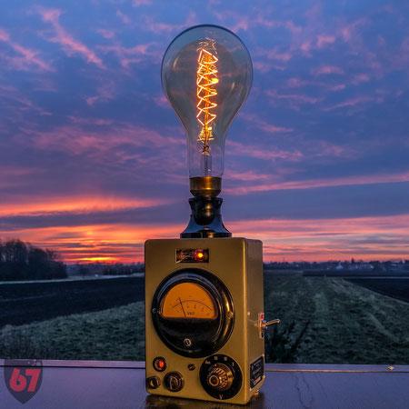 Upcycling DIY Edison lamp steampunk Rohde Schwarz Voltmeter by Jürgen Klöck