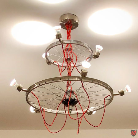 Upcycling DIY lamp steampunk lightart Loft Chandelier with bicycle rims by Jürgen Klöck