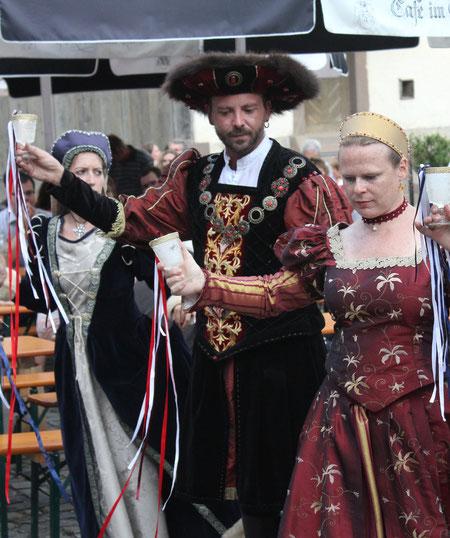 "Tanzgruppe ""Domenico""/Dancing group ""Domenico"", Schloß Glatt/Glatt Castle, Sulz-Glatt, Germany, 09.08.2014, Canon EOS 550d. Foto: Eleonore Schindler von Wallenstern."