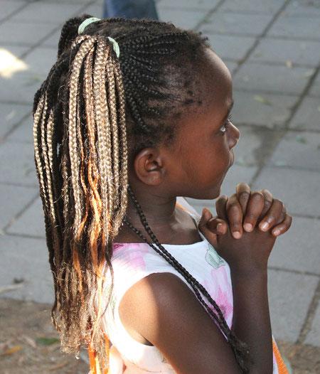 """""""Little sister"""", Afrika Festival 2014, Böblingen, Germany, 02.08.2014, Canon EOS 550d. Foto: Eleonore Schindler von Wallenstern."""