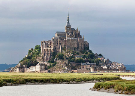 Normandy - Mont Saint Michel - destination of language travel in France by the agency V.A.L.