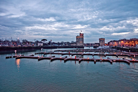 Port of La Rochelle - destination of language travel in France by the agency V.A.L.