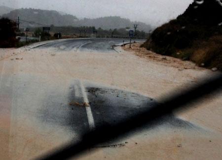 die Strassen waren an vielen Stellen überflutet