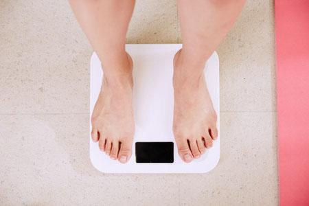 Weegschaal, wegen, gewicht, anorexia, aankomen, afvallen
