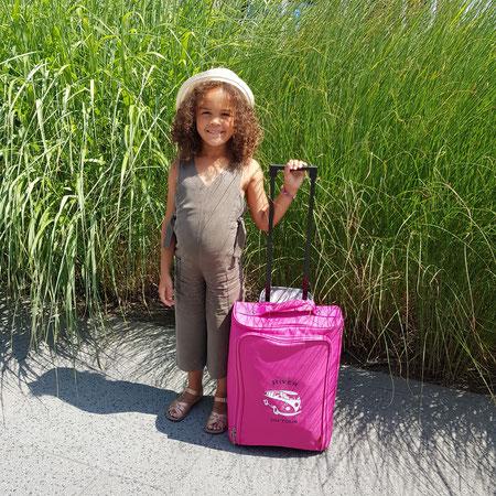 Doen! River met haar eigen koffer van Bulbby