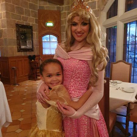 Ontbijten met Disney prinsessen.