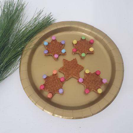 Traktatie, kerstdiner op school, stroopwafel, smarties, kerst.