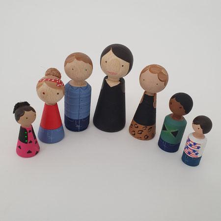 Alette Katini, gepersonaliseerde houten poppetjes.