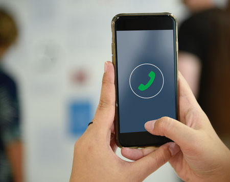 Telefoon, telefoongesprek, mobiele telefoon, inkomend gesprek.