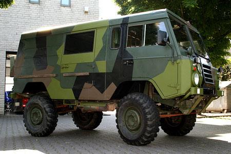 Volvo Militärfahrzeug Außenansicht