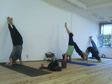 Power Yoga, Hand Stand