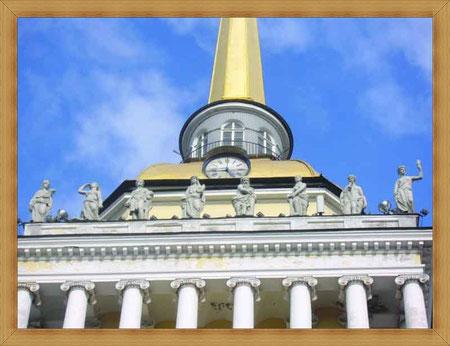 Герои Троянской войны украшают башню Адмиралтейства.