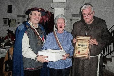 Die Burgfrau Sieglinde von Loewenherz wurde für über 60 jährige Zugehörigkeit zum Bunde zur Erz-Burgfrau ernannt.