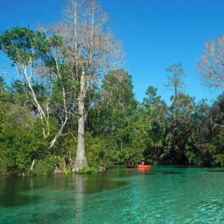 Kayak huren bij Week Wachee rivier.