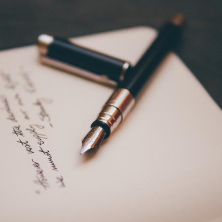 Schrijven, boek schrijven, vulpen, welke antwoorden geef je wel