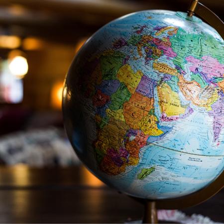 Wereldbol, globe, kleine wereldbol, accessoire.