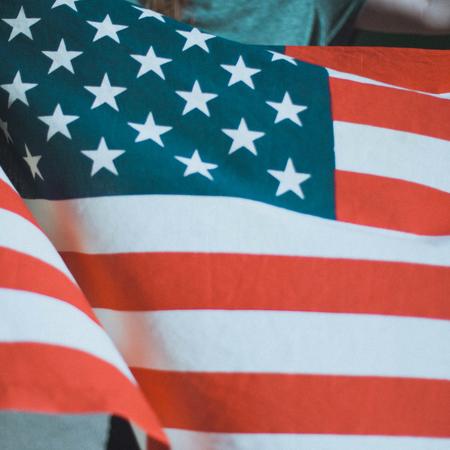 Ontmoeting, Amerikaanse vlag, Adoptie vanuit Amerika