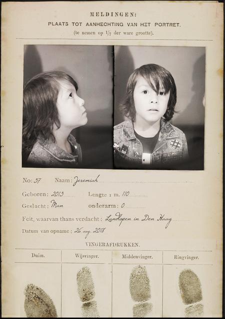 Signalementskaart uit het Gevangenismuseum.