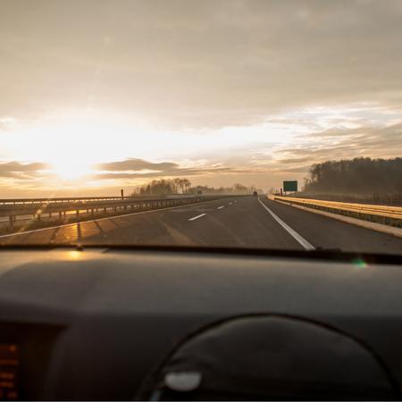 Autoweg, Denemarken, autorijden, kinderen in de auto