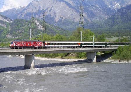 IR 782 auf der Rheinbrücke bei Bad Ragaz am 07. Mai 2008