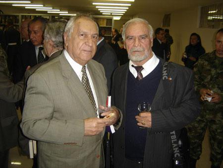 Academia Colombiana de Historia Militar - de izq a der Alberto Mendoza Morales y E.R.M