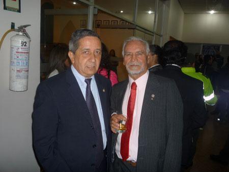 Academia Colombiana de Historia Policial - de izq a der David Rubio Rodríguez Presidente de la Sociedad Bolivariana de Colombia y E.R.M