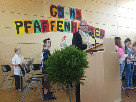 Kirchlicher Segen durch H.H. Pfarrer Bernhard Endres
