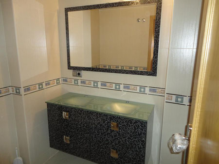 Mueble de baño lavabos plateados en Torredelcampo