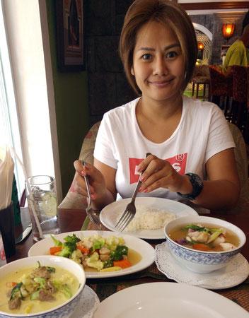 Restaurant des Tara Court Hotels, eine thailändische Freundin