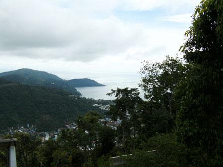 Ausblick auf Phuket vom Hügel mit der Big Buddha Statue