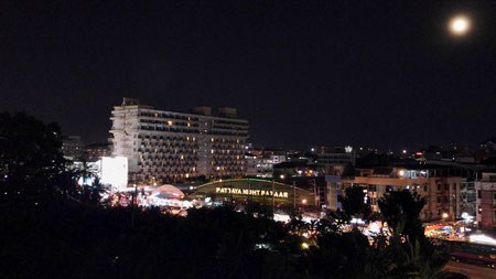 Aussicht bei Nacht vom Hotel Page 10