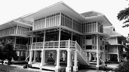 Maruekhathaiyawan Palace, Hua Hin