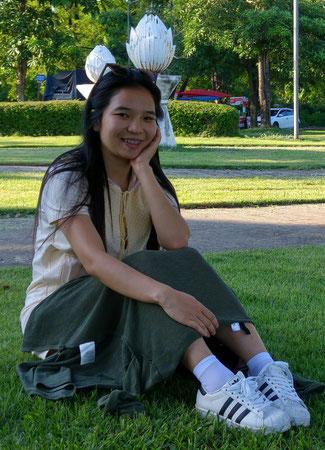 Eine thailändische Freundin in Udon Thani im Park