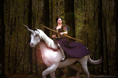 Das Mädchen mit dem Perlenohrring auf Pferd mit Bogen, halb