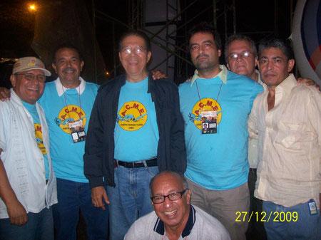 De pie: Lombardo, Joaquín, Nelson, Jaime, Gabriel Ocaña Cruz y Héctor Montaño Cervantes. Sentado: Camilo Torres Salazar.