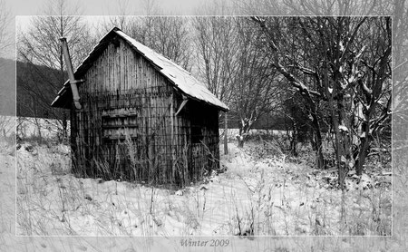 Eine Hütte auf dem Odfeld im eiskalten Dezember 2009. S/W betont die Ruhe, Einsamkeit und Kälte besser als Farbe.