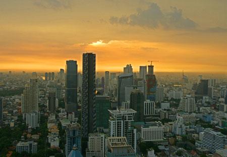 In der Moon-Bar über den Dächern von Bangkok