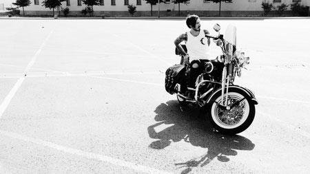 Inkalude - Monochrome Chopper